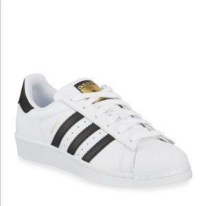 Men Classic Adidas Sneakers on Poshmark